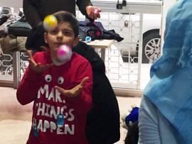 Teatteri tuo hetken helpotusta pakolaislapsen arkeen